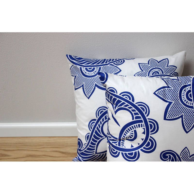 Buy African cushion cover Afia with white-blue paisley pattern 40x40cm