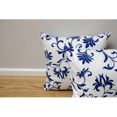 colorful cushion cover Abena with white-blue floral pattern 40x40cm online