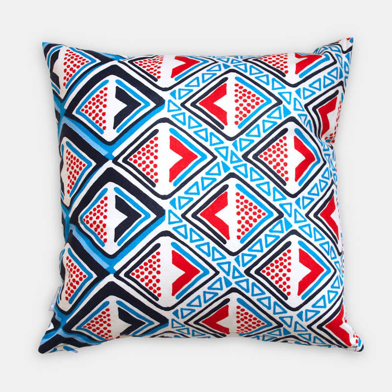 Buy colorful pillowcase Kwame with dark and bright blue-red diamond pattern 40x40cm