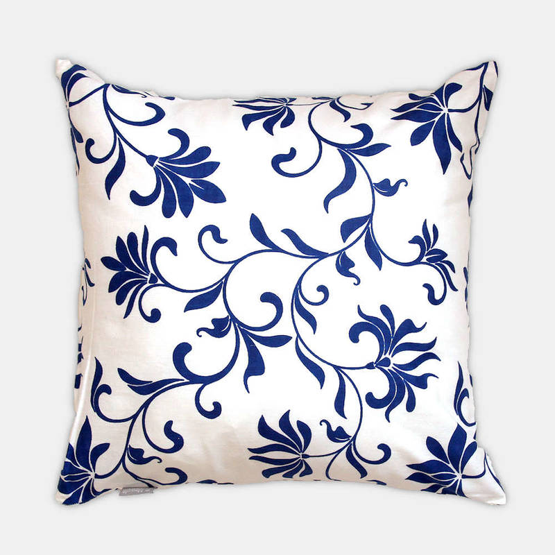 Buy colorful cushion cover Abena with white-blue floral pattern 40x40cm