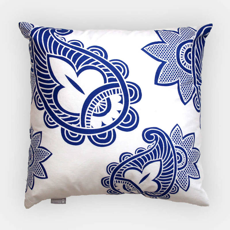 Buy African pillowcase Afia with white-blue paisley pattern 40x40cm